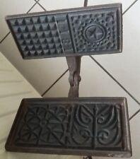 gaufrier moule à gaufre ancien daté de 1811 en fer forgé fonte / art populaire