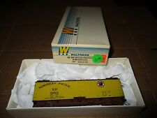 WALTHERS #932-2466 40' DS WOOD REEFER W/ WOOD ENDS N.P. #93806