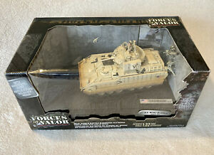 FORCES OF VALOR UNIMAX US ARMY M2A2 BRADLEY TANK KUWAIT 1991 1/32