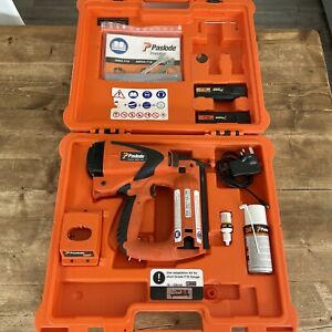 PASLODE IM65 F16 CORDLESS GAS NAIL GUN 2 X Battery Great Condition