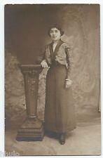 BM546 Carte Photo vintage card RPPC Femme mode fashion décor studio manteau noir