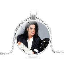 Collier médaillon médaille -  Michael Jackson + pochette parfumée de son parfum