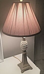 Lenox Quoizel Ivory Porcelain Pineapple Table Lamp