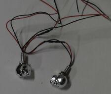 Zierfigur-Totenkopf mit Beleuchtung- 2-Leds Rot leuchtend 2Stück