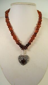 Lee Sands Wacky Friday Amber Heart Motif w Amber Ombre Chips Necklace s/s
