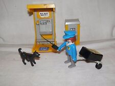 Lotto vecchi PLAYMOBIL GEOBRA 1974 POSTINO CON CANE CABINA TELEFONICA CARRELLO