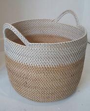Pequeña cesta de dos tonos Artesanales Juguetes de ropa de almacenamiento de registro Plantador De Mimbre hecho a mano