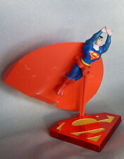 Hasbro Superman sur socle