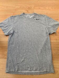 Small Mens Nike DRI-FIT Training T-Shirt Gym Running in Grey / Bargain 99p !!!