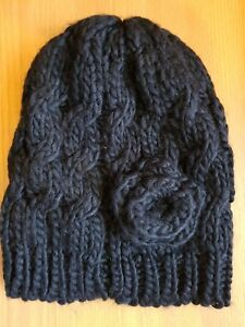 LADIES  BLACK WHITE CABLE KNIT BEANIE SKI HAT OUTDOOR WINTER WARMER