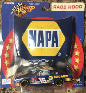 Winners Circle 1:43 Race Hood Series NAPA Michael Waltrip #15