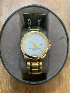 NWT Citizen Eco Drive WR-100 Mineral Cry 3 Hand Men's Gold Wrist Watch SEE DIAL