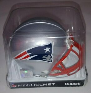NFL Mini Helmet New England Patriots Riddell 2011 3 5/8 open box Football