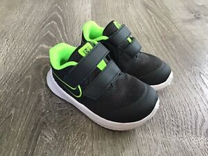 NIKE STAR RUNNER Running Shoes Sneakers Gray/Green Toddler Size 6C Boys Size 6