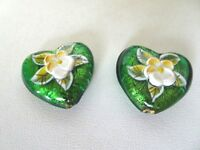 Heart Murano Lampwork Glass Beads Gold Foil Green / Raised Flowers Design Qty 2