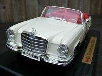 Mercedes Benz 280 SE 1966 Maisto 1:18 W111 Heckflosse Cabrio Convertible Toy Car