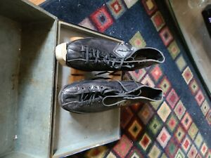 Vintage hyde roller skates with wooden wheels used size 9