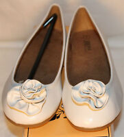 Zels Fashion Womens Sz. 7 White Flat (0 to 1/2 in.), Leather, Medium (B, M)