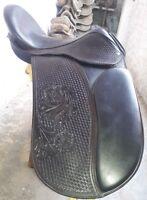 """17"""" English black leather dressage  treeless saddle"""