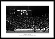 England 5 Germany 1  2001 England Team Photo Memorabilia (342)
