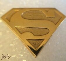 6a67a6584d1d Superman Tie Tac D.C. Comics 1977 Gold Color Superman Shield Tie Tac