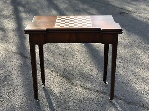 Victorian Mahogany Chess & Games Table With Fold Over Lid & Card playing area