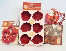 BRAND NEW~LARGE THANKSGIVING BAKING GROUP~PUMPKINS~LEAVES~ACORNS~WILTON~HALLMARK