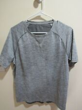 Under Armour Mens Gray Workout Shirt Size M