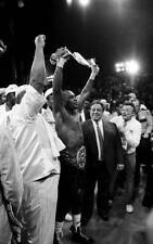 Old Boxing Photo Sugar Ray Leonard Celebrates The Win Over Donny Lalonde