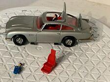 Corgi 270 James Bond Aston Martin DB5 w/driver & Baddie