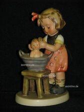 """Goebel Hummel 319 """"Puppenbad"""", doll bath, Mädchen badet Puppe in Schüssel"""