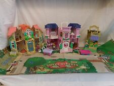Fisher Price Sweet Streets Lot 2 House's plus Farm Stand with Veg's + Mat + Peop