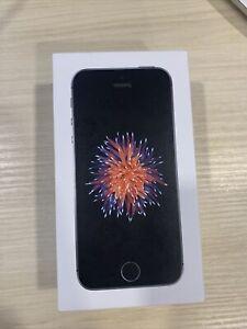 Apple iPhone SE - 32GB - Space Gray (Metro Pcs) A1662 (GSM) 1st Generation