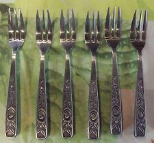 6 Ancienne Fourchettes à Dessert fromages Huîtres décors de roses manche acier