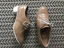 Camper Tan beige Patent Oxford 37 Size 7