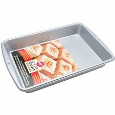 Wilton 33 x 22.3 cm  13 x 9-Inch  Recipe Right Oblong Cake Tin