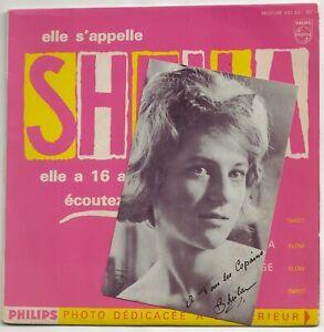Sheila avec carte postale