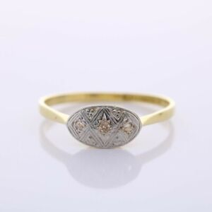 18ct Gold Diamond shield ring MS829C Size R 1/2 Any Size