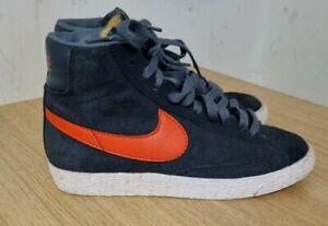 Nike Blazer, Navy Blue/Orange Logo Trainers