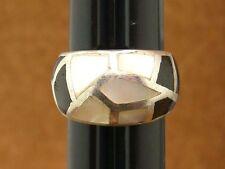 anillo de plata maciza con ónice y madre perla
