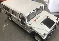 Hummer H1 Maisto 1:18 Scale Red Cross H-1 Die Cast Hummer