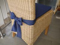 Stuhlkissen 40 x 40 x 4 cm Sitzkissen dunkelblau mit Schleife
