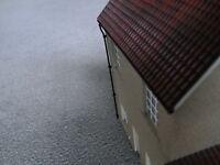 O gauge (7mm) 1:43 scale Model Railway Building parts. Roof guttering x4