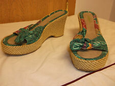 Kelly & Katie Concord green flowery straw heels wedges sandals 8 M
