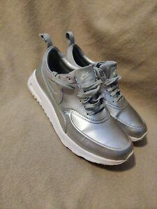 Nike Thea Size 7.5 Women