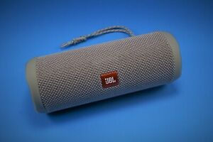 JBL FLIP-4 BLUETOOTH SPEAKER - GRAY-EXCELENT CONDITION with many extras
