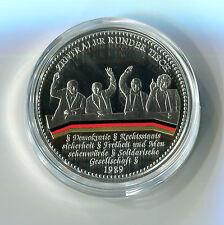 MEDAGLIA a colori 60 anni Germania centrale tavola rotonda 1989 m_545