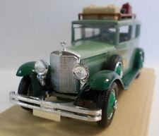 Limousine di modellismo statico verde