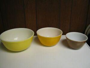 """Vintage Pyrex Nesting Bowls Set of 3 Yellow,Orange,& Brown-8 7/8"""",7 1/4"""",5 7/8"""""""