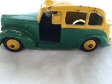 Dinky Toy taxi austin ref 254 avec pilote